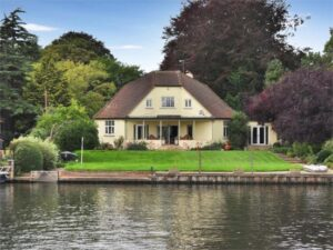 Chertsey Lane, Staines-Upon-Thames